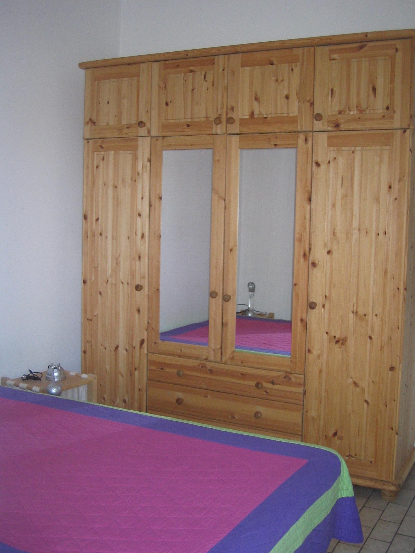 innenansicht und grundriss ferienhaus auf der le de r maison de vacances dans l 39 le de r. Black Bedroom Furniture Sets. Home Design Ideas